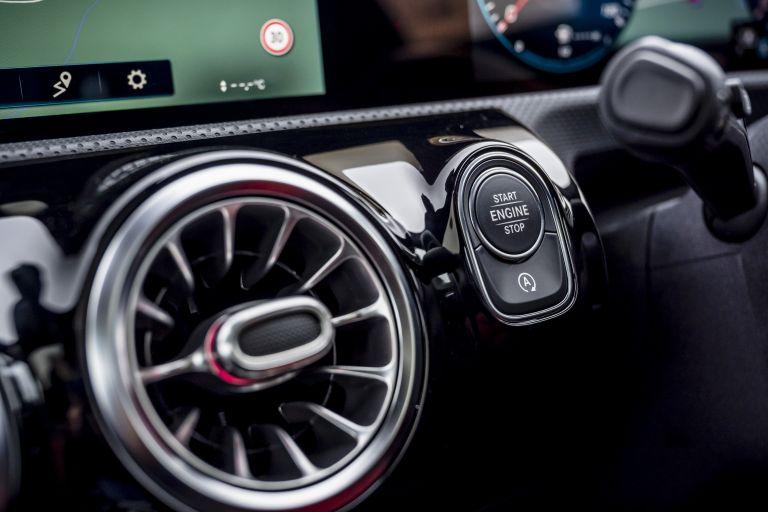 2020 Mercedes-AMG CLA 35 4Matic Shooting Brake - UK version 582148