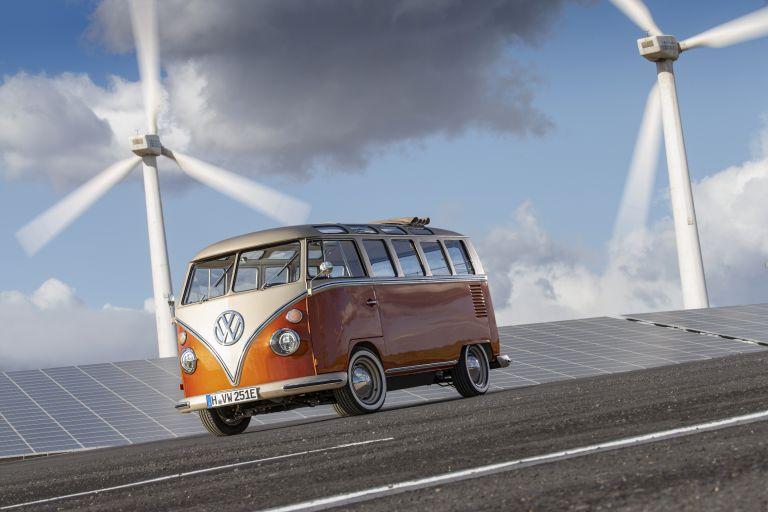 2020 Volkswagen e-Bulli concept 583740