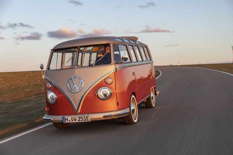 2020 Volkswagen e-Bulli concept 583743