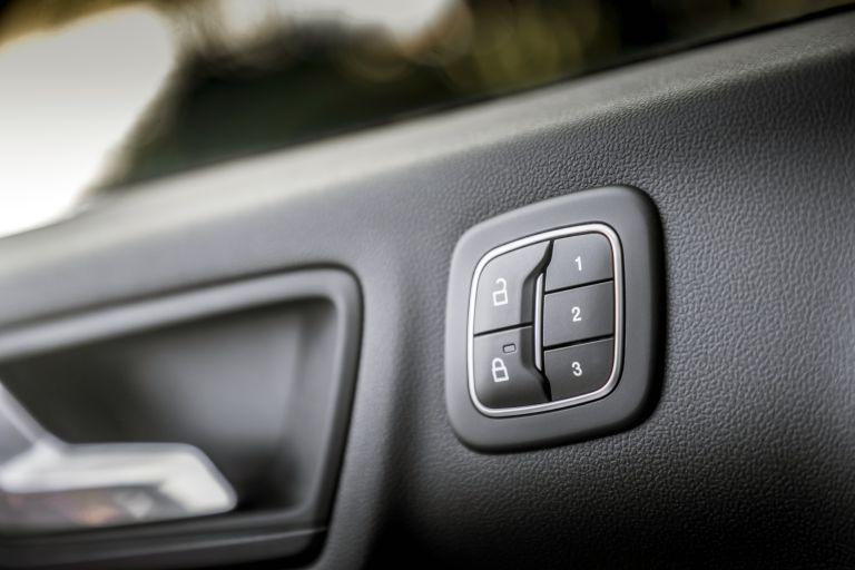 2020 Ford Kuga ST-Line X Plug-In Hybrid 584359