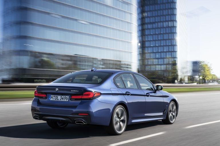 2021 BMW 530e ( G30 ) xDrive 586599