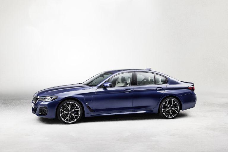 2021 BMW 530e ( G30 ) xDrive 586619