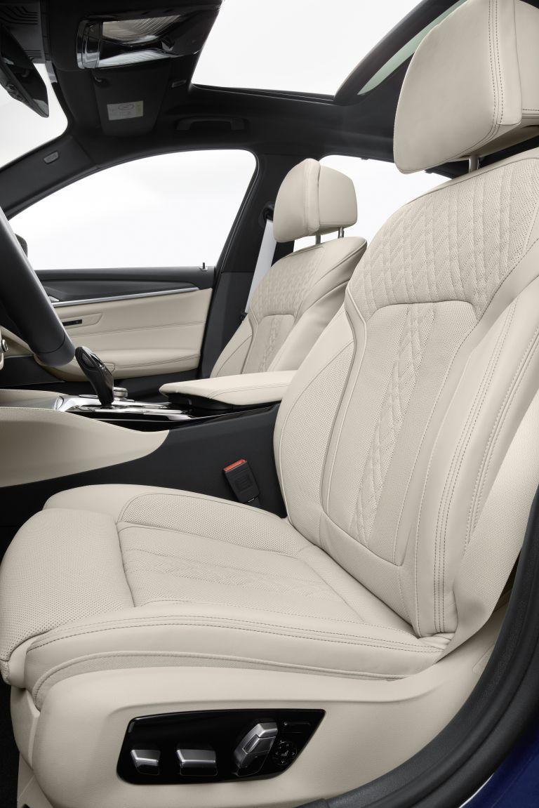 2021 BMW 530e ( G30 ) xDrive 586635