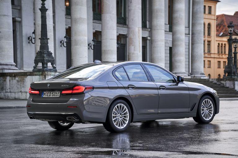 2021 BMW 530e ( G30 ) xDrive 605806