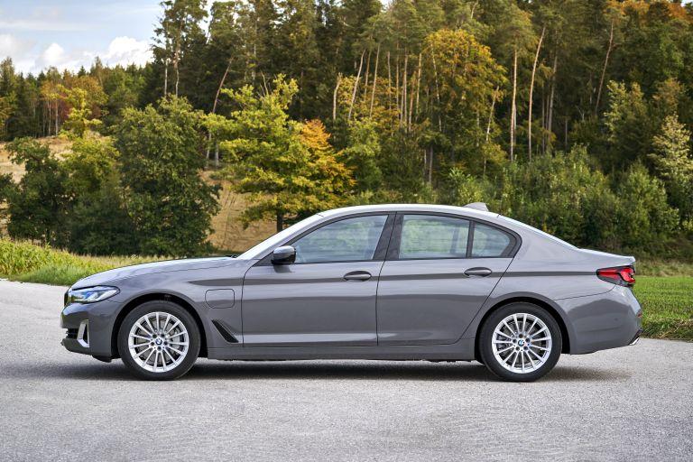 2021 BMW 530e ( G30 ) xDrive 605813