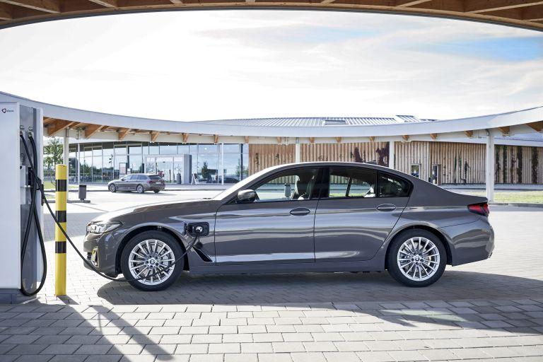 2021 BMW 530e ( G30 ) xDrive 605815