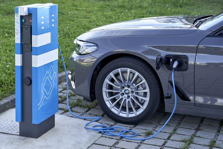 2021 BMW 530e ( G30 ) xDrive 605831