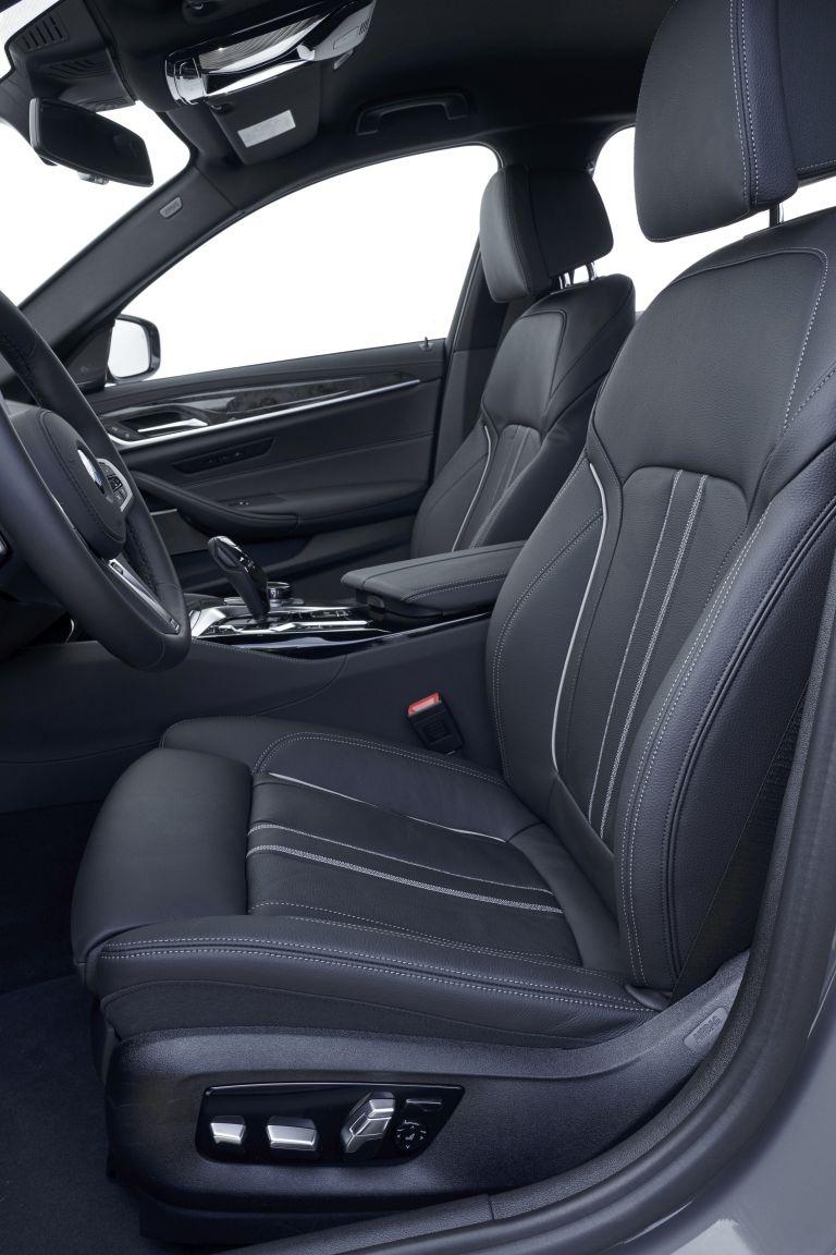 2021 BMW 530e ( G30 ) xDrive 605842