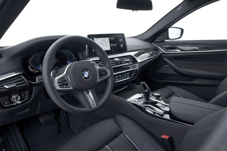 2021 BMW 530e ( G30 ) xDrive 605843