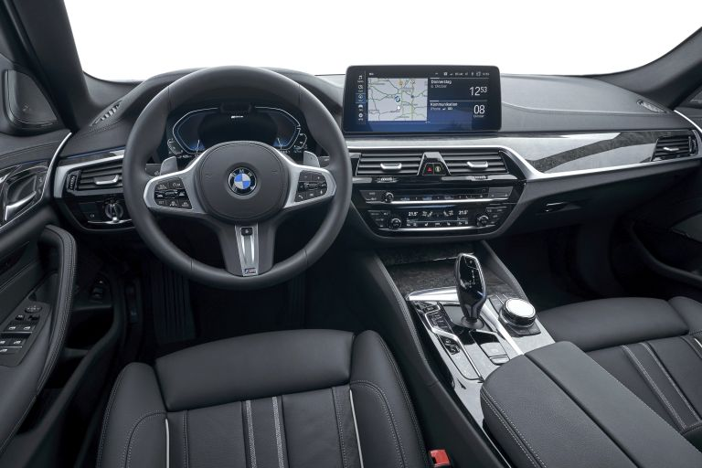 2021 BMW 530e ( G30 ) xDrive 605844
