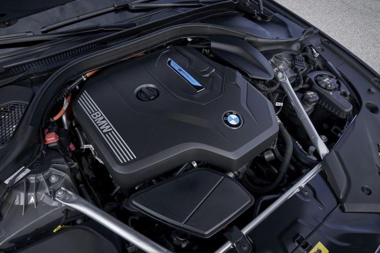 2021 BMW 530e ( G30 ) xDrive 605856