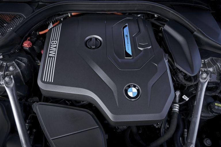2021 BMW 530e ( G30 ) xDrive 605857