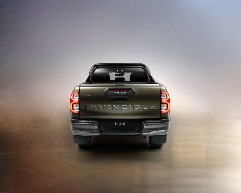 2020 Toyota Hilux 587795