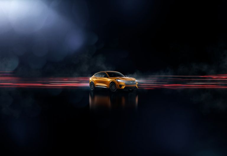 2021 Ford Mustang Mach-E GT 588072