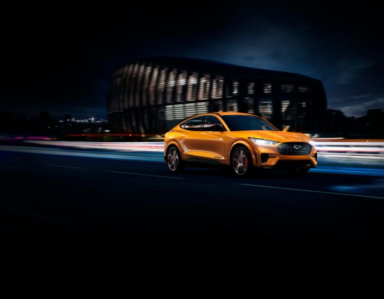 2021 Ford Mustang Mach-E GT 588073