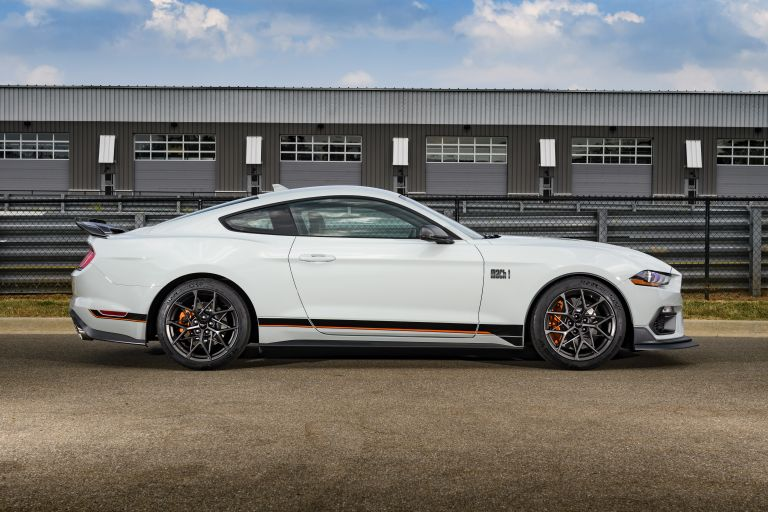 2021 Ford Mustang Mach 1 588297