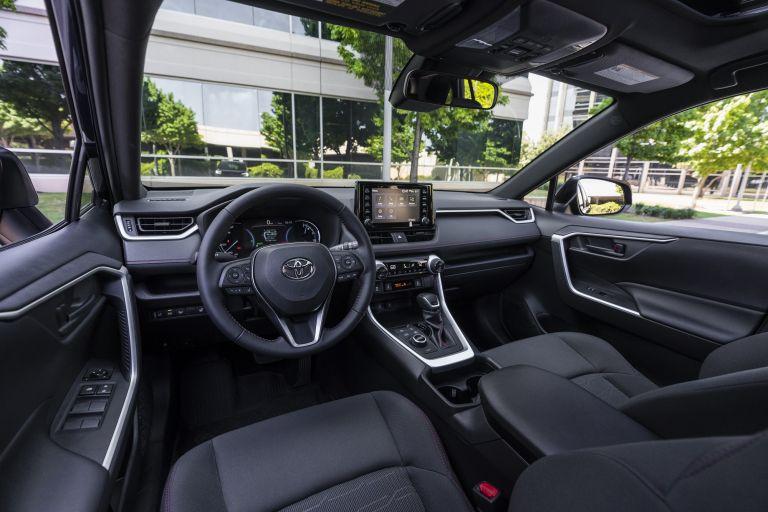 2021 Toyota RAV4 Prime SE 590105