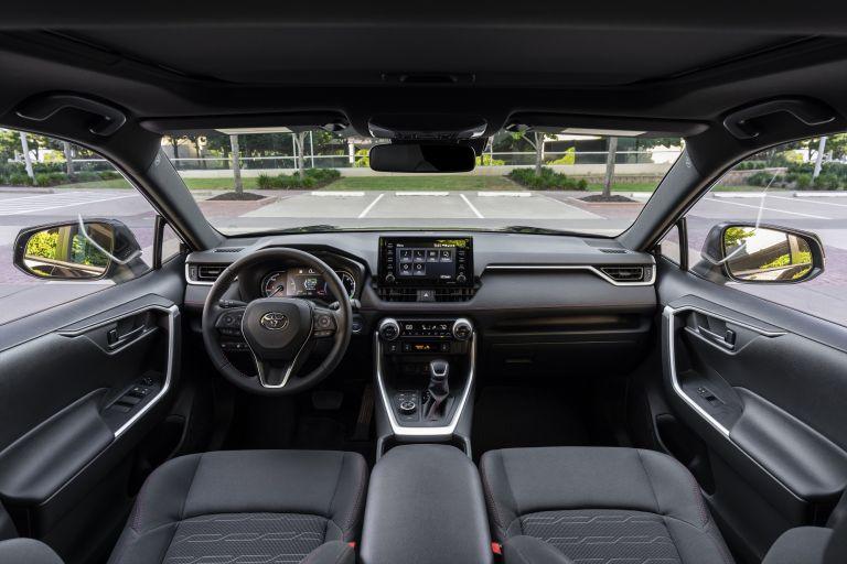 2021 Toyota RAV4 Prime SE 590106