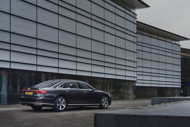 2020 Audi A8 L 60 TFSI e quattro - UK version 590484