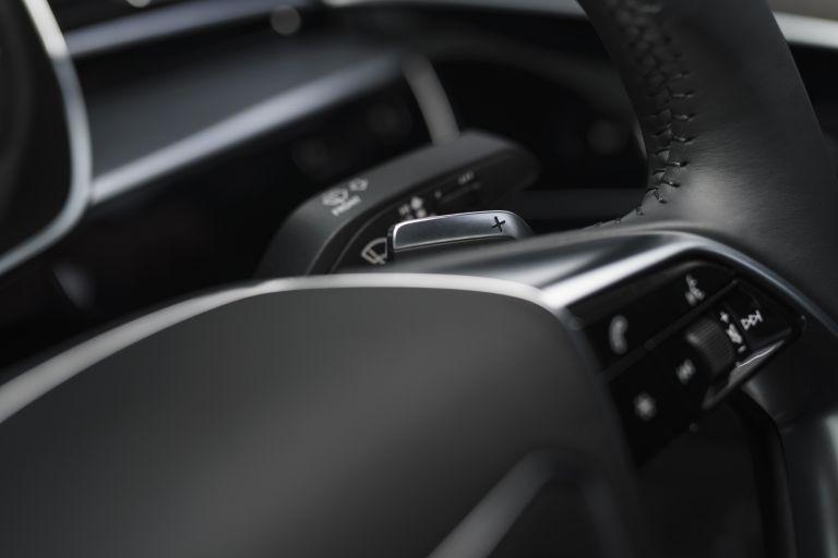2020 Audi A8 L 60 TFSI e quattro - UK version 590575