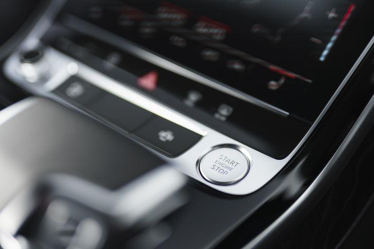 2020 Audi A8 L 60 TFSI e quattro - UK version 590580