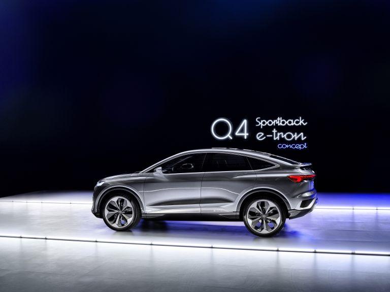 2020 Audi Q4 Sportback e-tron concept 590711