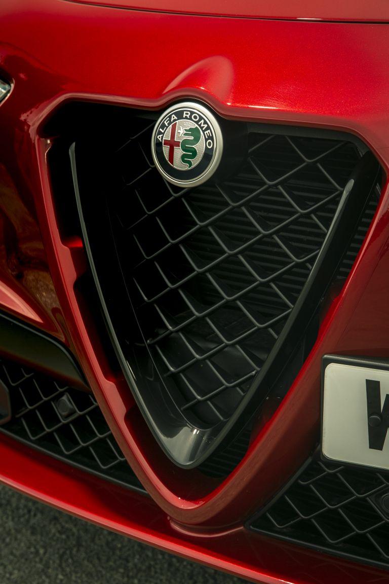 2020 Alfa Romeo Stelvio Quadrifoglio - UK version 594088
