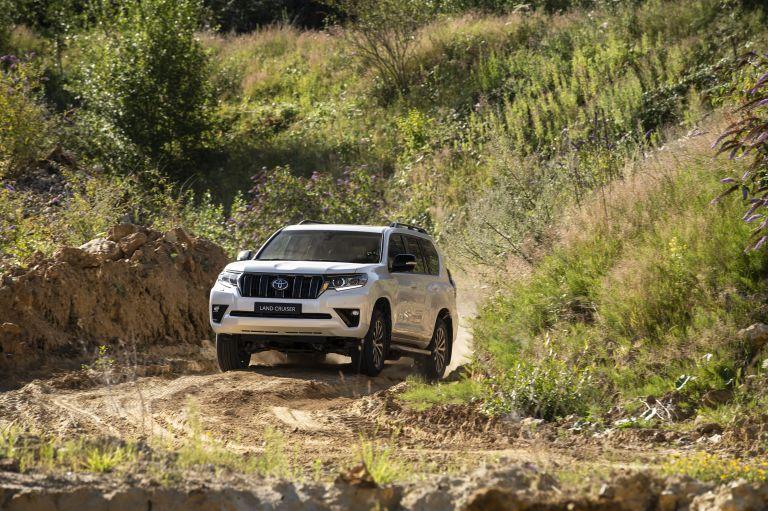 2021 Toyota Land Cruiser 595476