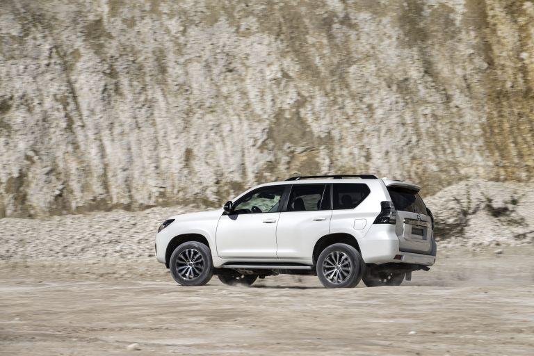 2021 Toyota Land Cruiser 595495