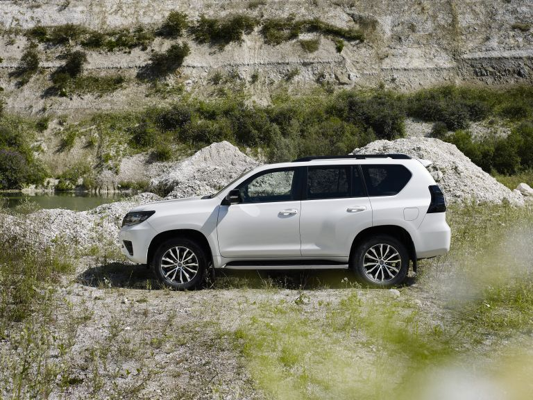 2021 Toyota Land Cruiser 595506