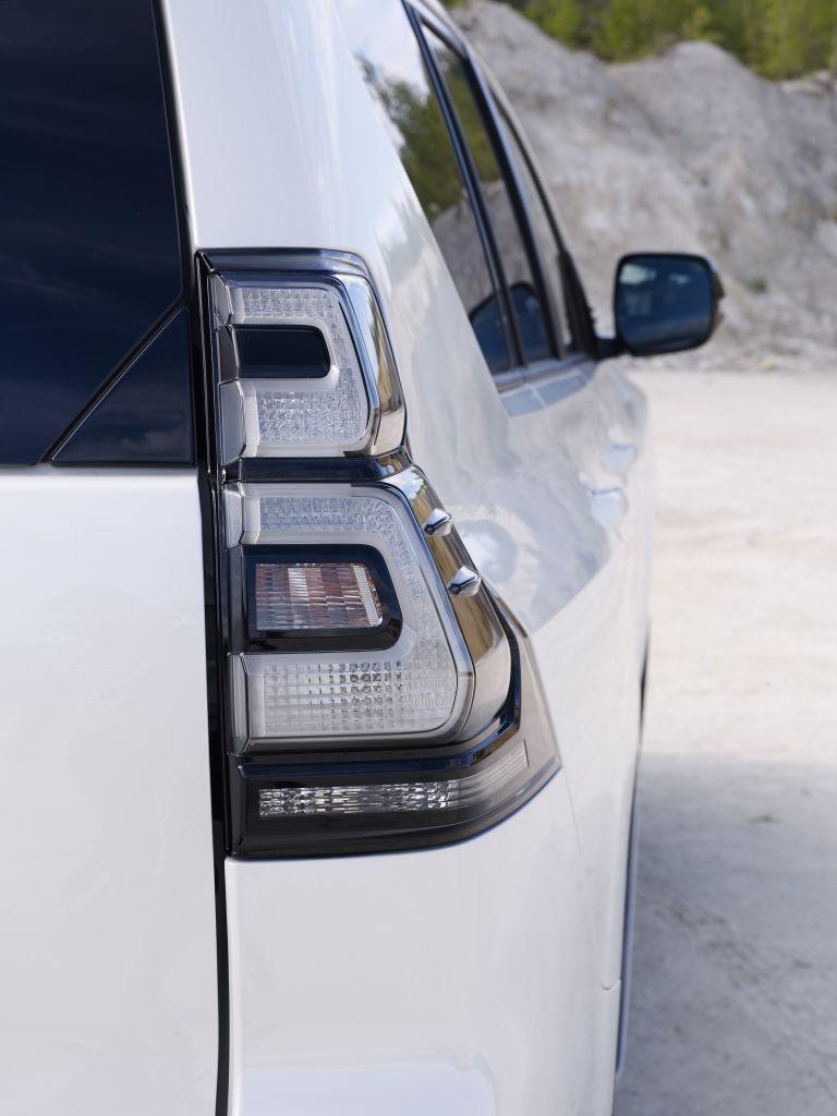 2021 Toyota Land Cruiser 595526