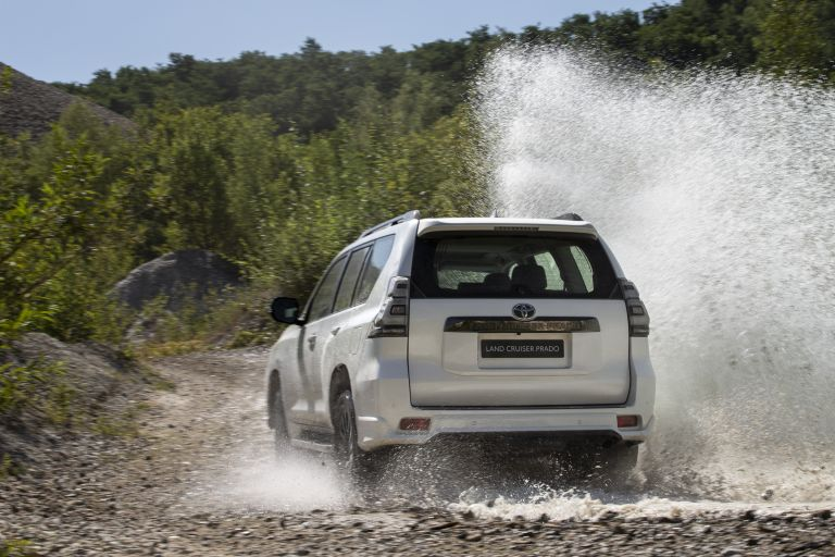 2021 Toyota Land Cruiser Prado 595570