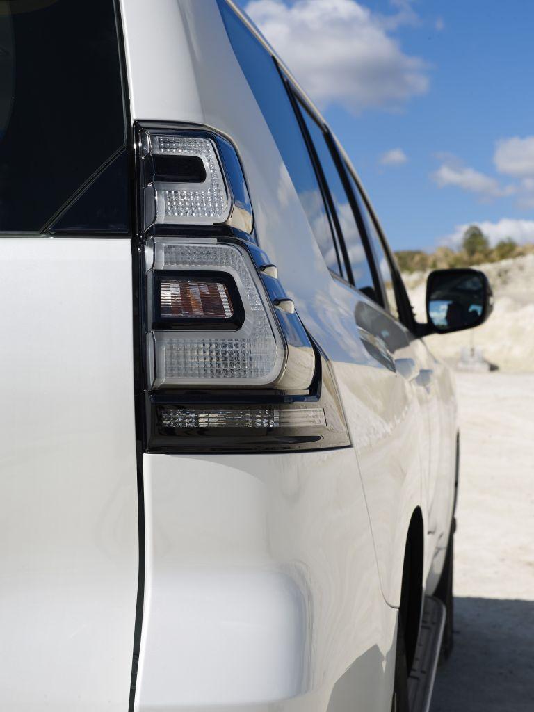 2021 Toyota Land Cruiser Prado 595598