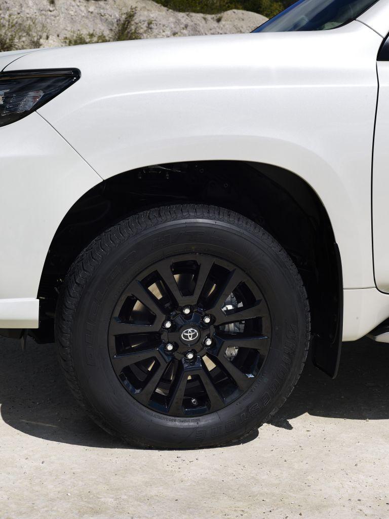 2021 Toyota Land Cruiser Prado 595600