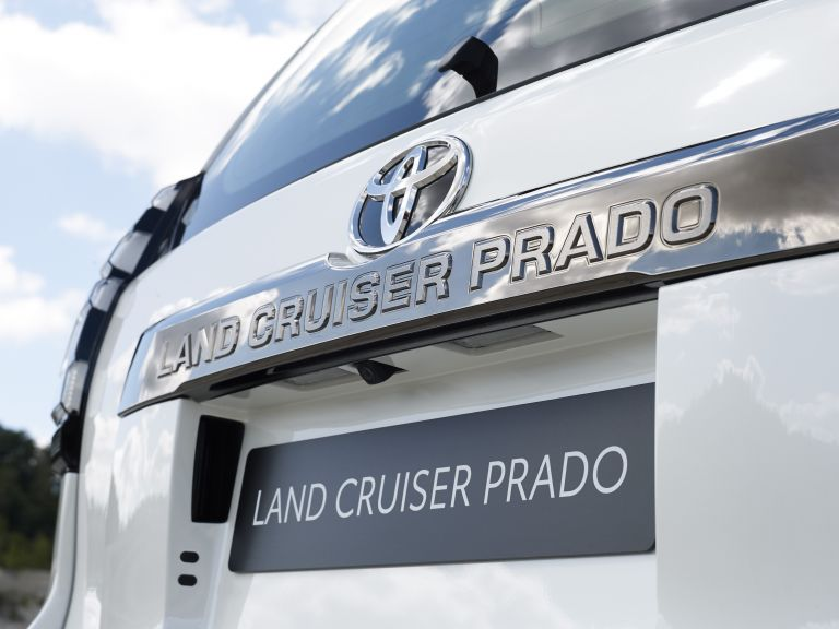 2021 Toyota Land Cruiser Prado 595605