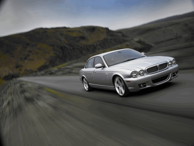 2008 Jaguar XJ8 UK version 229527