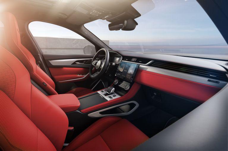 2021 Jaguar F-Pace 599870