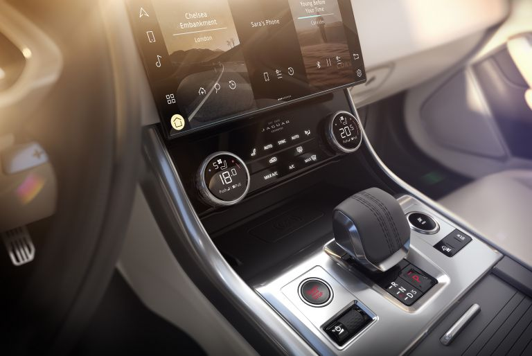 2021 Jaguar XF 604157