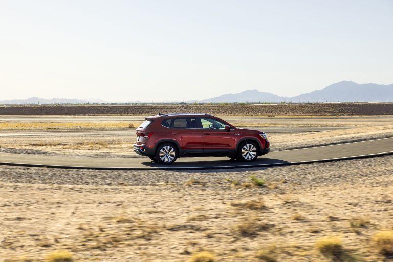 2022 Volkswagen Taos 629054