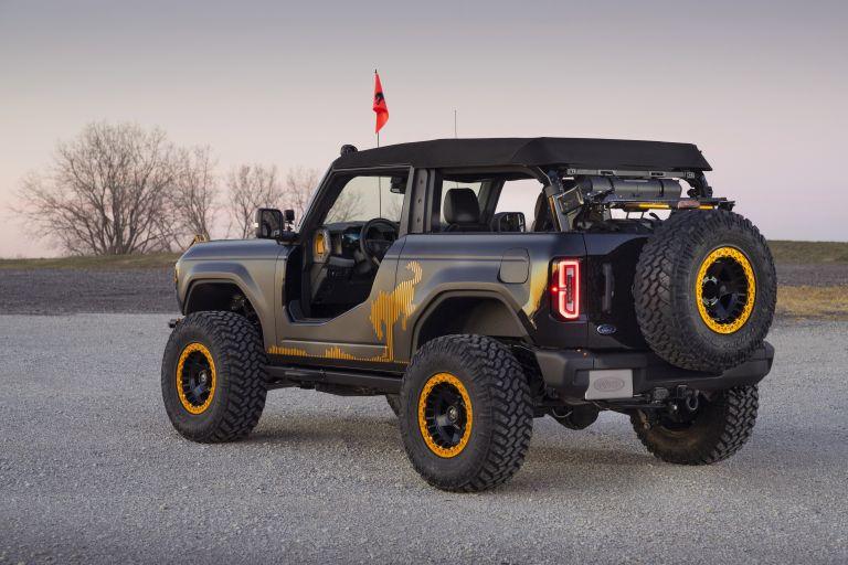 2020 Ford Bronco 2-door Badlands Sasquatch concept 611024