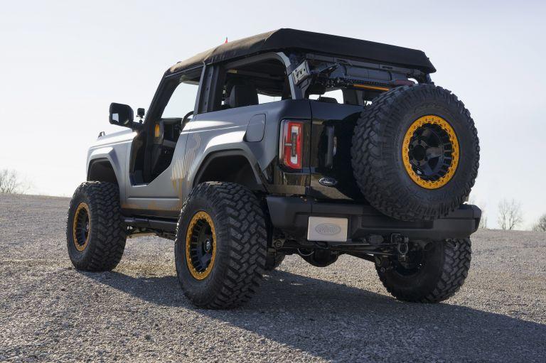 2020 Ford Bronco 2-door Badlands Sasquatch concept 611026
