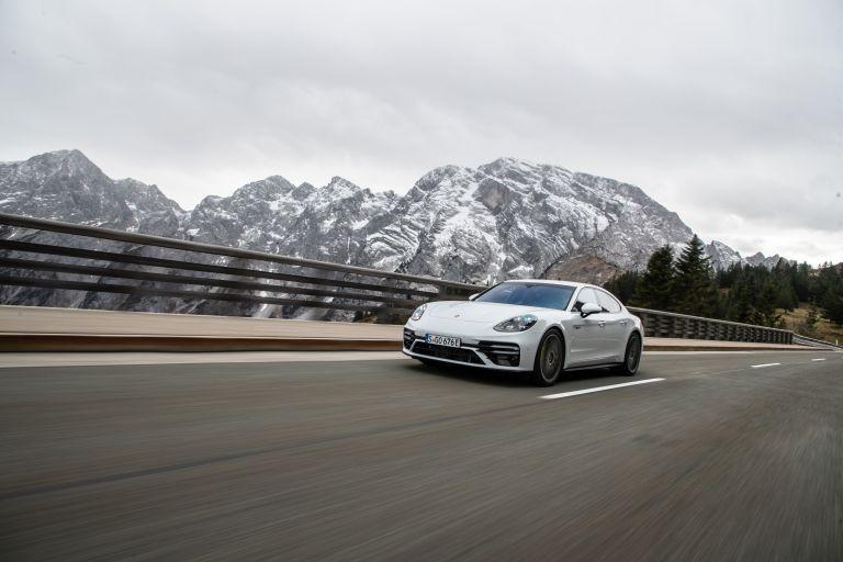 2021 Porsche Panamera Turbo S E-Hybrid 613451