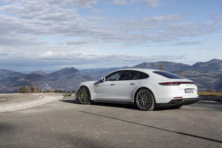 2021 Porsche Panamera Turbo S E-Hybrid 613465