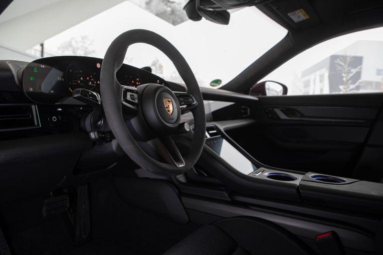 2021 Porsche Taycan 617268