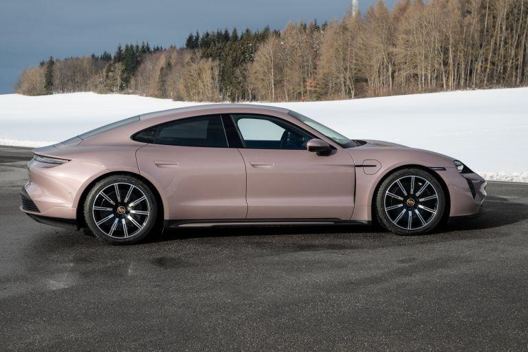 2021 Porsche Taycan 617328