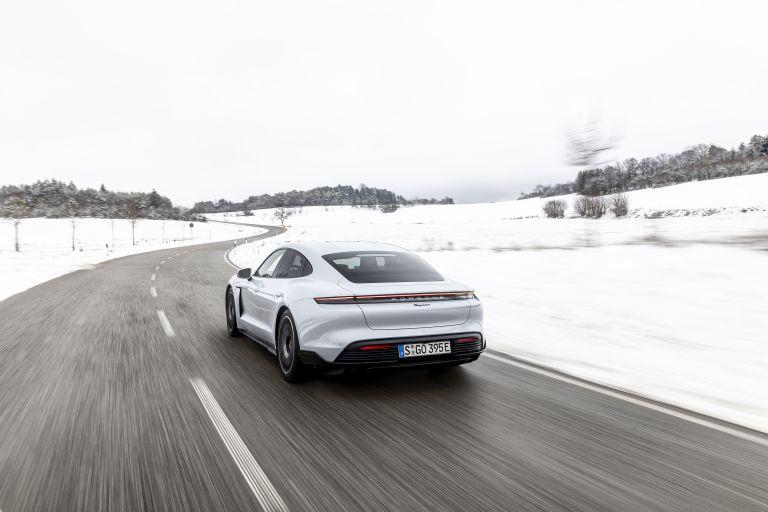 2021 Porsche Taycan 617400