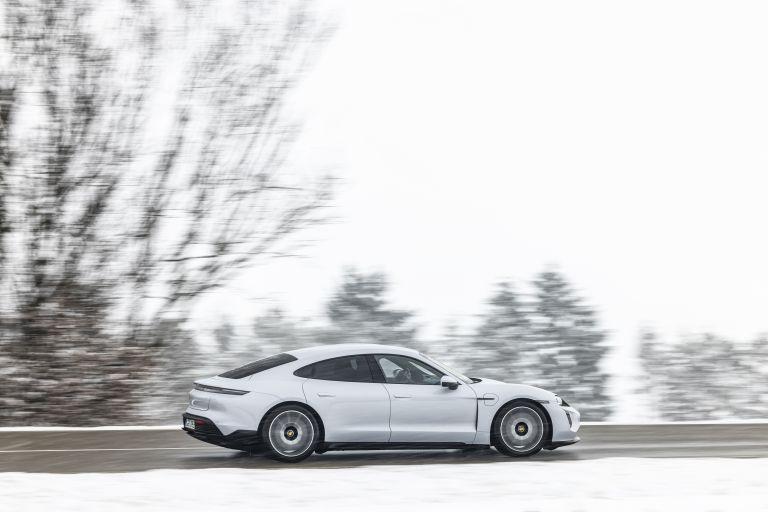 2021 Porsche Taycan 617410