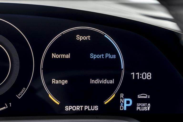 2021 Porsche Taycan 617425