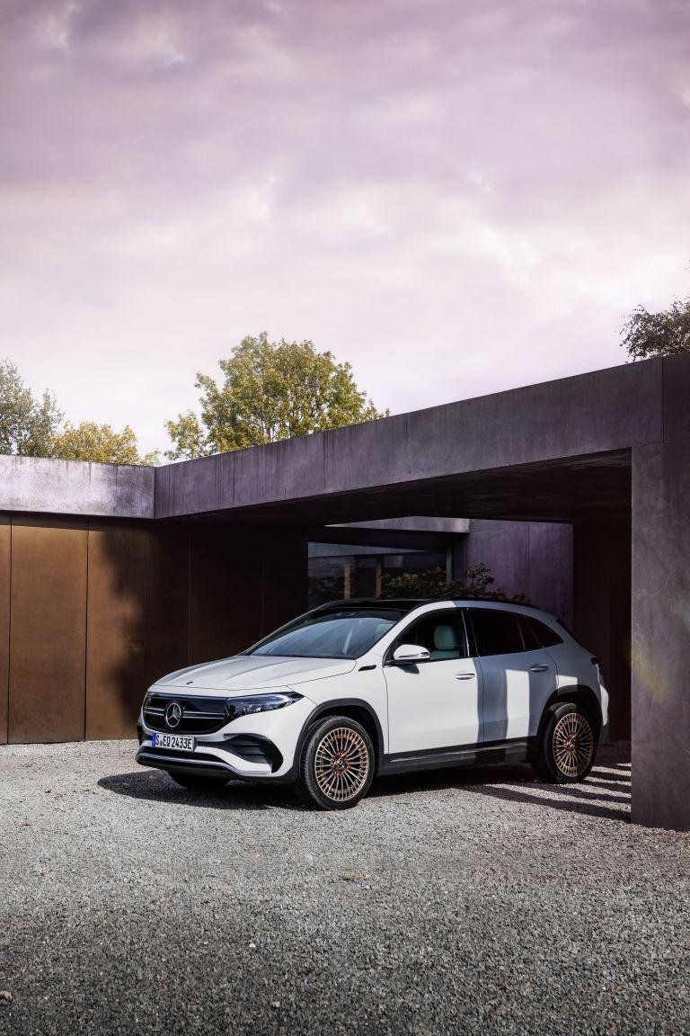 2021 Mercedes-Benz EQA 617495