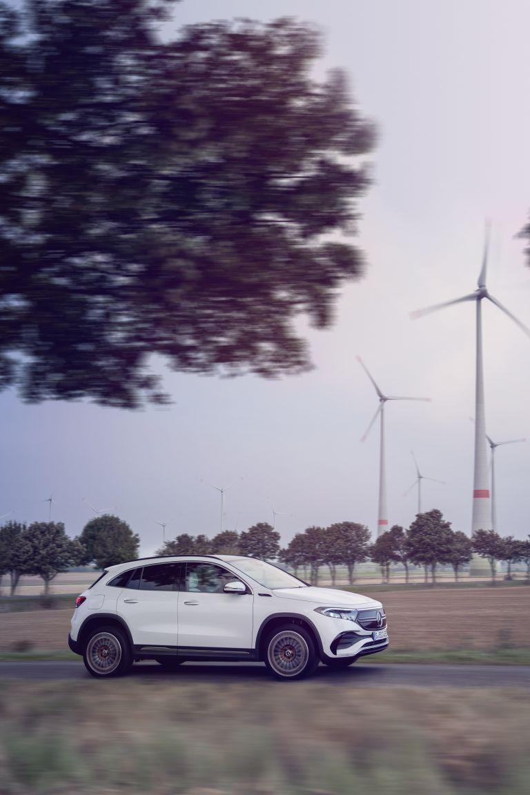 2021 Mercedes-Benz EQA 617499